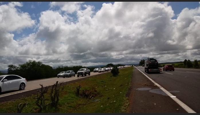 Final de semana deve trazer 120 mil veículos ao litoral somente pela Freeway
