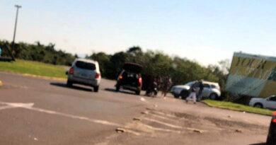 Acidente na Estrada do Mar deixa quatro feridos