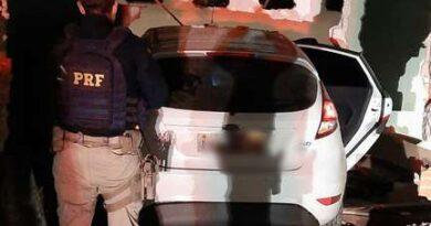 Após perseguição, PRF resgata dois caminhoneiros sequestrados