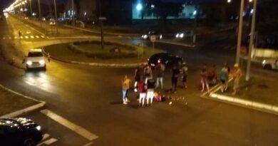 Motoboy tem ferimentos após acidente com caminhão em Osório
