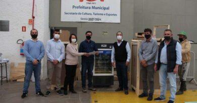 Santo Antônio da Patrulha recebeu três unidades de 200 litros para armazenamento de imunizantes - Foto: Divulgação/SES