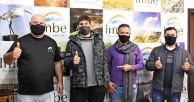Grêmio: Zagueiro Kannemann visita Imbé e projeta investimentos